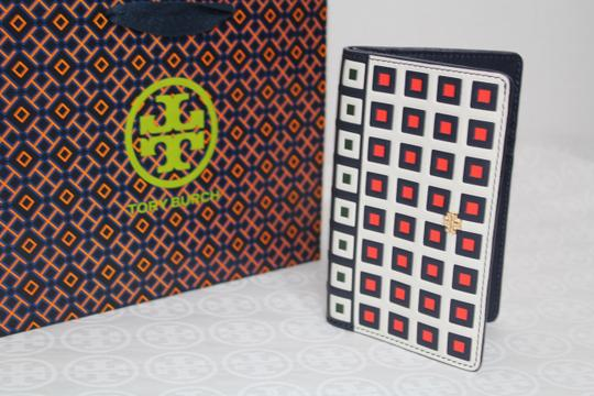 Tory Burch TORY BURCH LEATHER SQUARE PRINT TILE FOLD SNAP WALLET Image 3