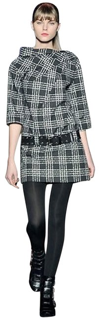 Preload https://img-static.tradesy.com/item/23815828/marc-by-marc-jacobs-rare-black-and-white-plaid-logo-belted-and-collar-short-casual-dress-size-2-xs-0-9-650-650.jpg
