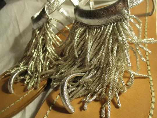 Sigerson Morrison Fringed Thong Leather silver Sandals Image 11