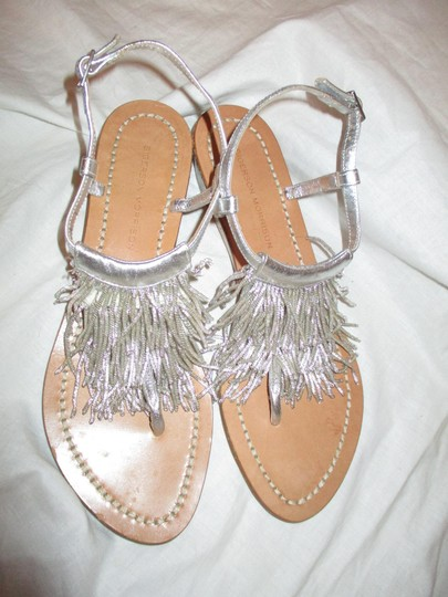 Sigerson Morrison Fringed Thong Leather silver Sandals Image 4