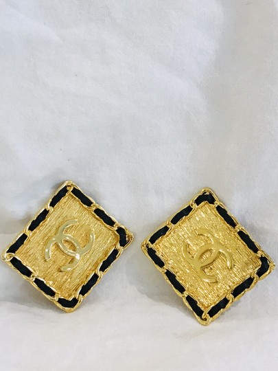 Chanel Super Rare XL Black Resin CC Clip-On Earrings Image 6
