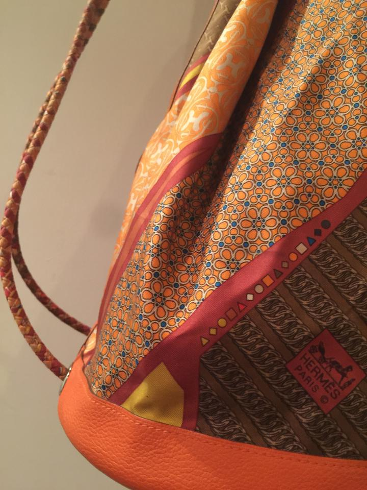 Cool Clemence Taurillion Silk Soie and Leather Mm Backpack Orange Hermès S5wq0AA