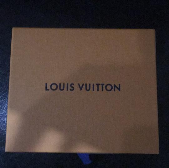 Louis Vuitton Louis Vuitton monogram silk pocket handkerchief with giftbox Image 5