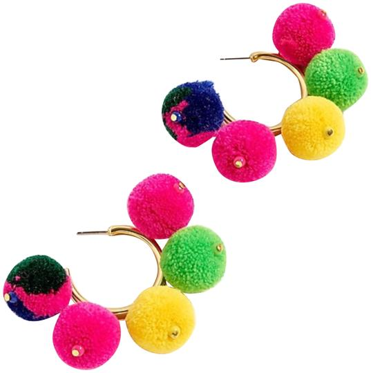 Preload https://img-static.tradesy.com/item/23817611/jcrew-pom-pom-hoop-earrings-0-1-540-540.jpg