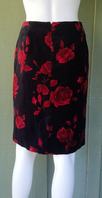 Talbots Pencil Velvet Floral Rose Skirt Black, Red. Image 1