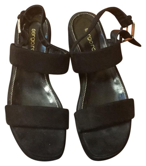 Preload https://img-static.tradesy.com/item/23817993/sergio-rossi-black-scarpe-donna-sandals-size-us-65-regular-m-b-0-1-540-540.jpg