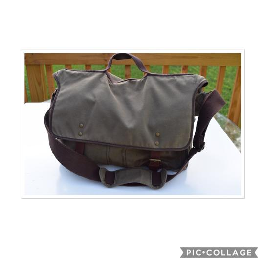 Preload https://item4.tradesy.com/images/jcrew-weatherproof-finish-field-khaki-cotton-and-leather-messenger-bag-23818208-0-0.jpg?width=440&height=440