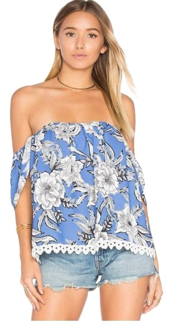 Preload https://img-static.tradesy.com/item/23818247/lovers-friends-life-s-a-beach-blouse-size-12-l-0-1-650-650.jpg