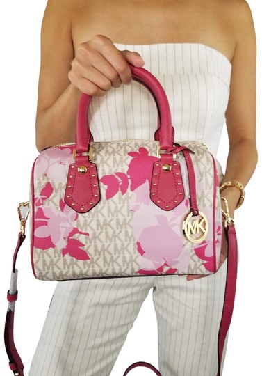 Preload https://img-static.tradesy.com/item/23818351/michael-kors-satchel-mk-small-aria-floral-shoulder-pink-vanilla-cross-body-bag-0-1-540-540.jpg