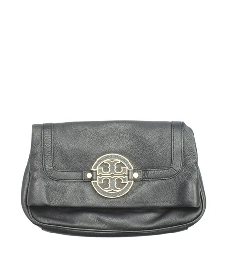 Preload https://img-static.tradesy.com/item/23818449/tory-burch-153489-black-leather-shoulder-bag-0-0-540-540.jpg