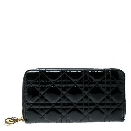 Preload https://item4.tradesy.com/images/dior-black-cannage-patent-leather-zippy-wallet-23818563-0-0.jpg?width=440&height=440