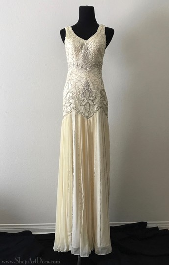 Preload https://item3.tradesy.com/images/sue-wong-cream-1920s-style-gown-w5203-vintage-wedding-dress-size-4-s-23818592-0-0.jpg?width=440&height=440