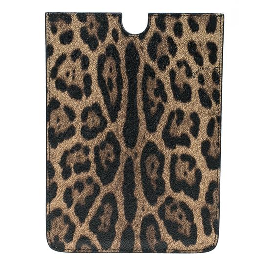 Preload https://item1.tradesy.com/images/dolce-and-gabbana-brown-leopard-print-pvc-ipad-case-tech-accessory-23818600-0-0.jpg?width=440&height=440