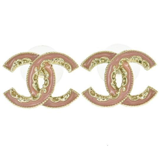 Preload https://img-static.tradesy.com/item/23818840/chanel-pink-enamel-gold-hardware-classic-ruffle-edge-classic-cc-coco-studs-with-box-and-rare-earring-0-0-540-540.jpg