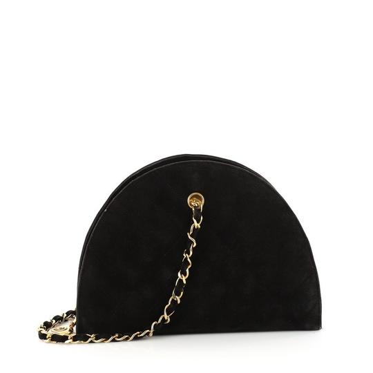 Preload https://img-static.tradesy.com/item/23818874/chanel-vintage-dome-chain-quilted-small-black-suede-shoulder-bag-0-0-540-540.jpg