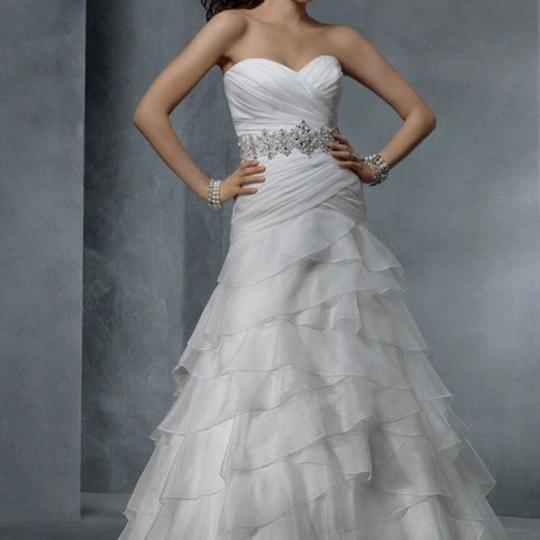Preload https://item5.tradesy.com/images/alfred-angelo-white-formal-wedding-dress-size-4-s-23818889-0-0.jpg?width=440&height=440