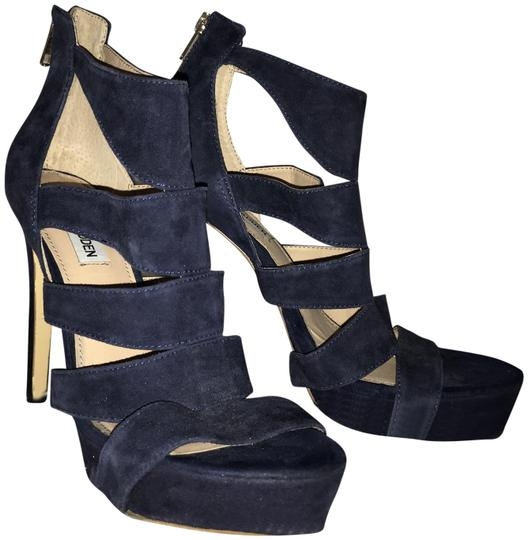 Preload https://img-static.tradesy.com/item/23818967/steve-madden-navy-heels-pumps-size-us-85-regular-m-b-0-1-540-540.jpg