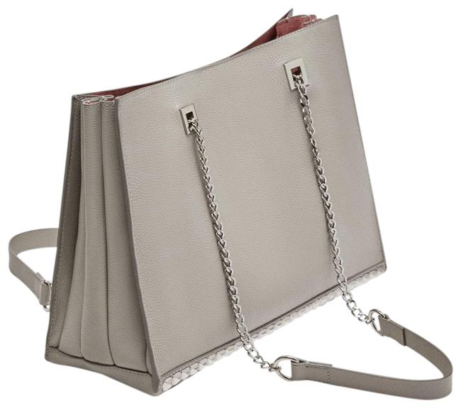 Item - Silver Studded Chain Gray Leather Shoulder Bag