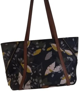 Fossil Leather Durable Tote in Pattern/Black