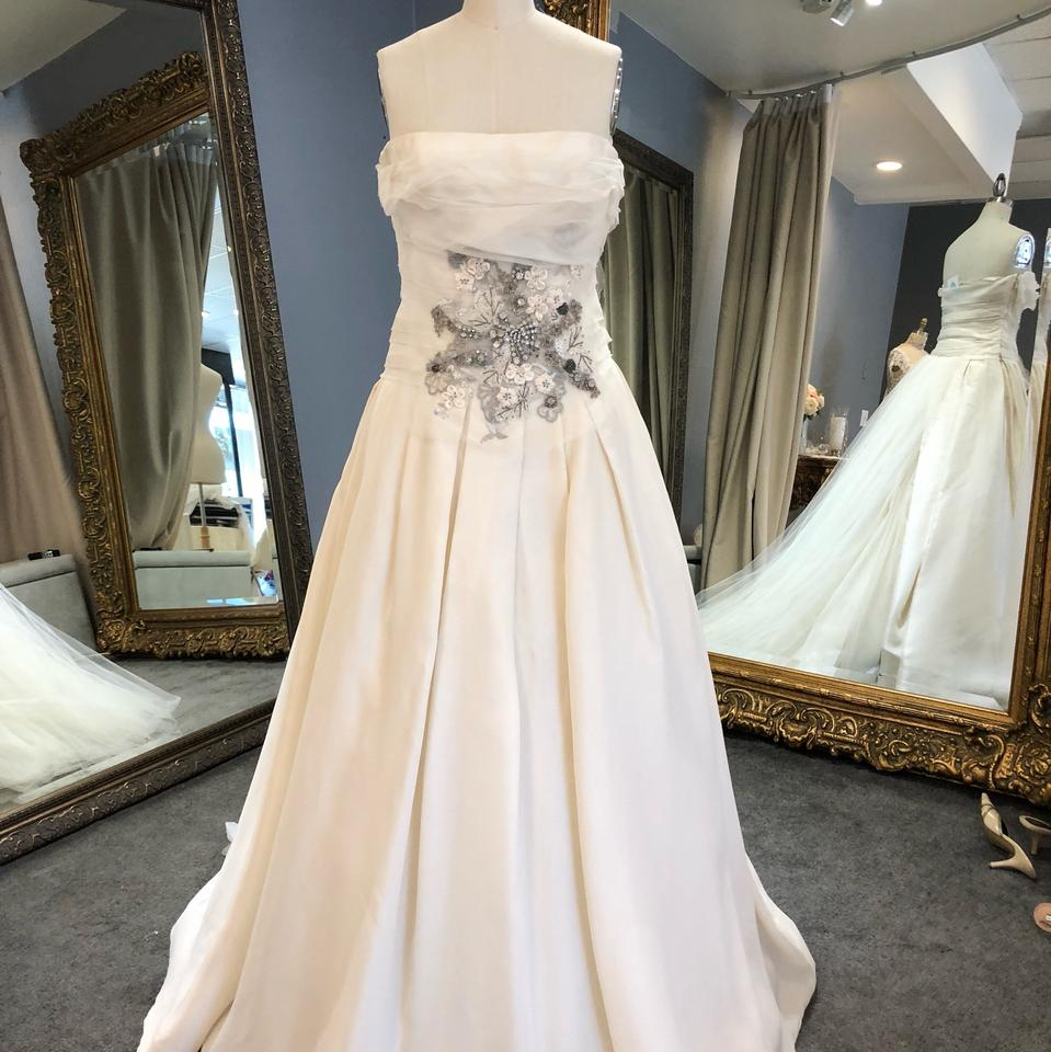 Vera Wang Bridal Ivory Silk Gown Embroidered Modern
