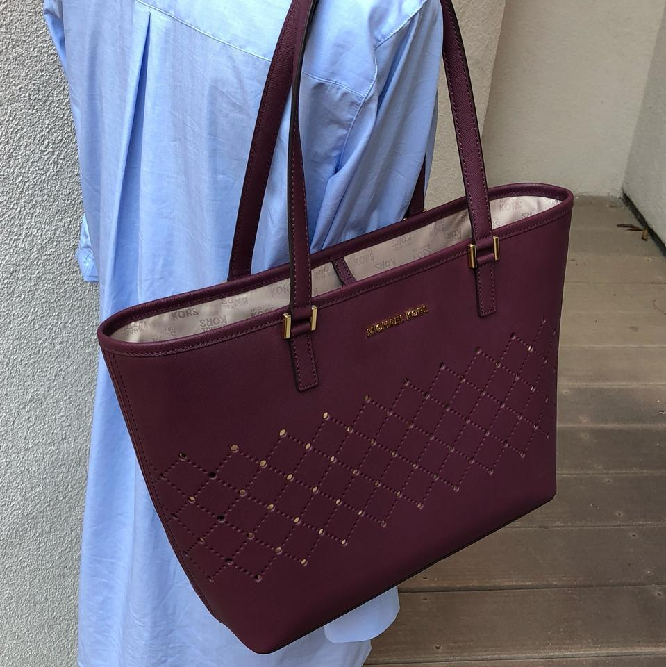 316f59187a083 Michael Kors Mk Carryall Saffiano Leather Travel Carryall Dusty Rose Tote  in plum Image 11. 123456789101112