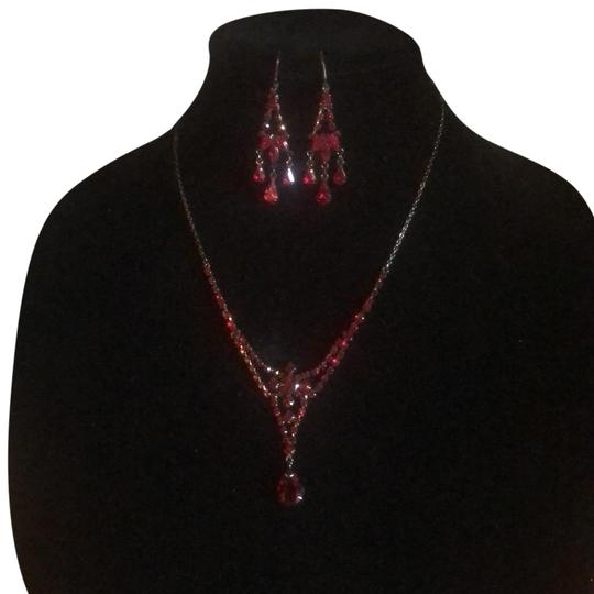 Preload https://img-static.tradesy.com/item/23821396/black-and-red-pierced-earrings-necklace-0-1-540-540.jpg