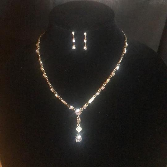 N/A Necklace and pierced earrings Image 5