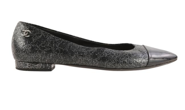 Chanel Black And Silver Cap Toe Pointed Flats Size EU 38.5 (Approx. US 8.5) Regular (M, B) Chanel Black And Silver Cap Toe Pointed Flats Size EU 38.5 (Approx. US 8.5) Regular (M, B) Image 1