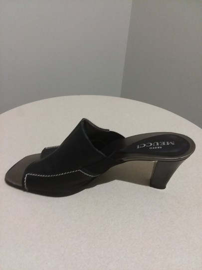 Sesto Meucci Made In Italy Leather Bronze Insole Topstitching Comfortable Black Mules Image 3