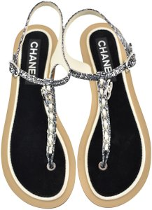 83702847f55 Chanel Sandals - Up to 90% off at Tradesy (Page 4)