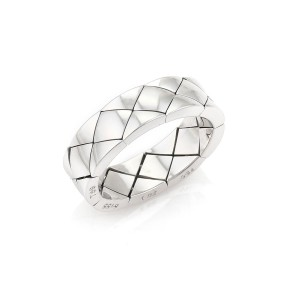 Chanel Matelasse Quilted 18k White Gold Flex Band Ring