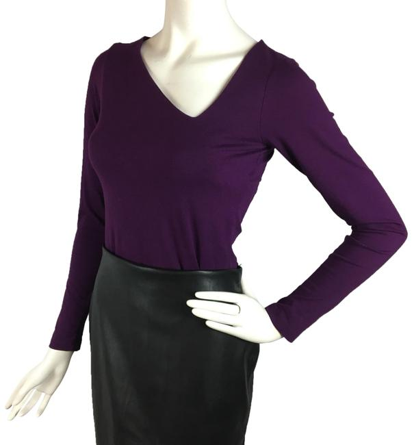 Item - Asymmetrical Fitted Purple Top