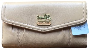 Coach Coach 43221 NEW Madison Leather Checkbook Wallet