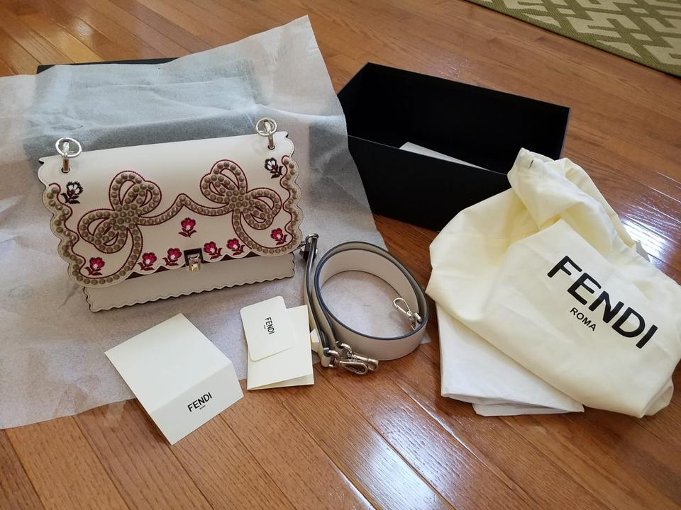 Bow Medium Satchel Colors Fendi Shoulder Color I Kan Leather Other Beige Red Gold Embroidered with tRwEaqw