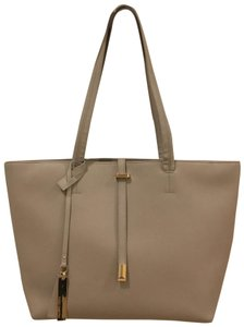 Vince Camuto Tote in Gray