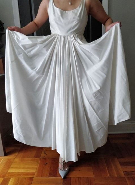 Item - White Cotton U-neck Gown Casual Wedding Dress Size 2 (XS)