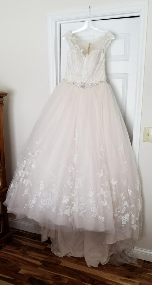 Stella York Ivory/Moscato/Almond/Porcelain Lace and Tulle Ballgown ...