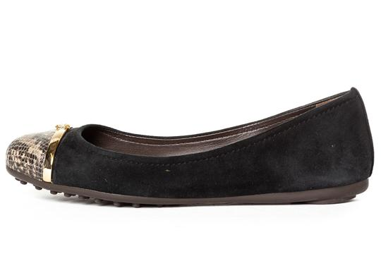 Preload https://item4.tradesy.com/images/tory-burch-black-suede-and-snake-flats-size-us-8-regular-m-b-23832418-0-0.jpg?width=440&height=440
