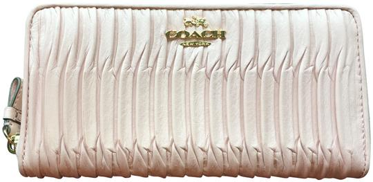 Preload https://item1.tradesy.com/images/coach-pink-43982e-gathered-leather-accordion-wallet-23832445-0-1.jpg?width=440&height=440