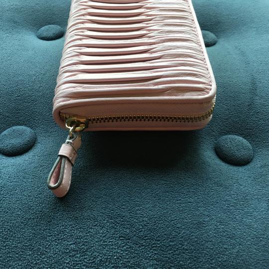 Coach Coach 43982E Gathered Leather Accordion Wallet