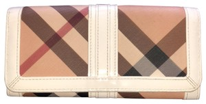 Burberry nova large frame zip wallet
