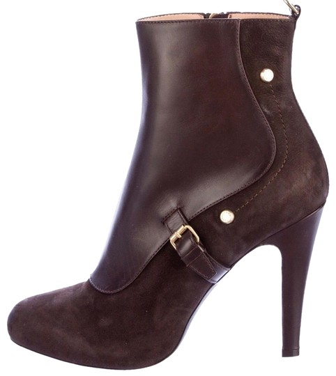 Preload https://item3.tradesy.com/images/brown-bootsbooties-size-us-6-regular-m-b-23832592-0-1.jpg?width=440&height=440
