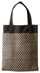 Marni Carryall Shoulder Handbag Diaper Market Tote in Black/White