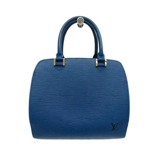 Preload https://img-static.tradesy.com/item/23832678/louis-vuitton-pont-neuf-epi-pm-blue-leather-tote-0-0-540-540.jpg