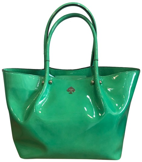 Preload https://item5.tradesy.com/images/kate-spade-patent-leather-green-tote-23832679-0-1.jpg?width=440&height=440