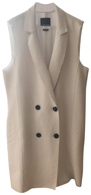 Preload https://img-static.tradesy.com/item/23832709/trouve-pearl-white-all-season-off-vest-size-6-s-0-1-650-650.jpg