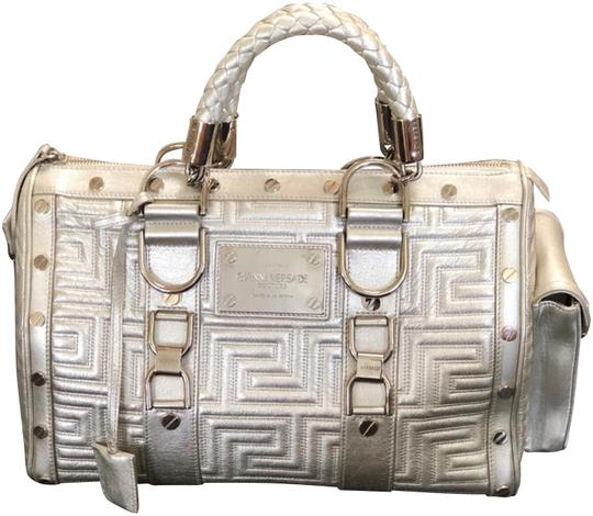 Preload https://img-static.tradesy.com/item/23832729/versace-couture-snap-out-of-handbag-silver-leather-satchel-0-2-540-540.jpg