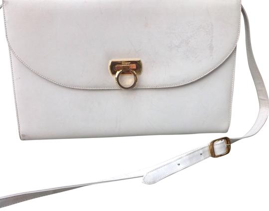 Preload https://img-static.tradesy.com/item/23832759/salvatore-ferragamo-gancini-white-leather-shoulder-bag-0-1-540-540.jpg