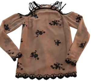 WAYF Top nude and black