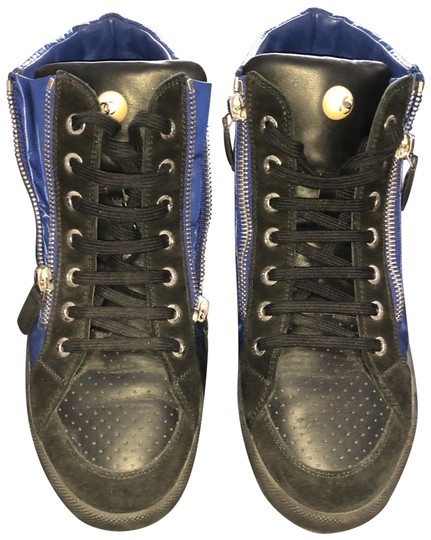 Preload https://item4.tradesy.com/images/chanel-black-and-blue-trainers-sneakers-hightop-sneakers-size-eu-37-approx-us-7-regular-m-b-23832778-0-1.jpg?width=440&height=440